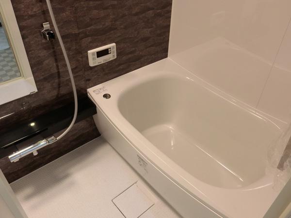 今までの浴室よりほんのちょっと広がりました。奥行き10センチ、幅5センチ広がっただけで、まったく感じが違った。ゆったり感がでたよ。